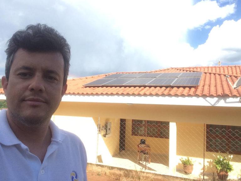 Com energia do sol, conta de luz de engenheiro cai de R$ 310 para R$ 35 por mês