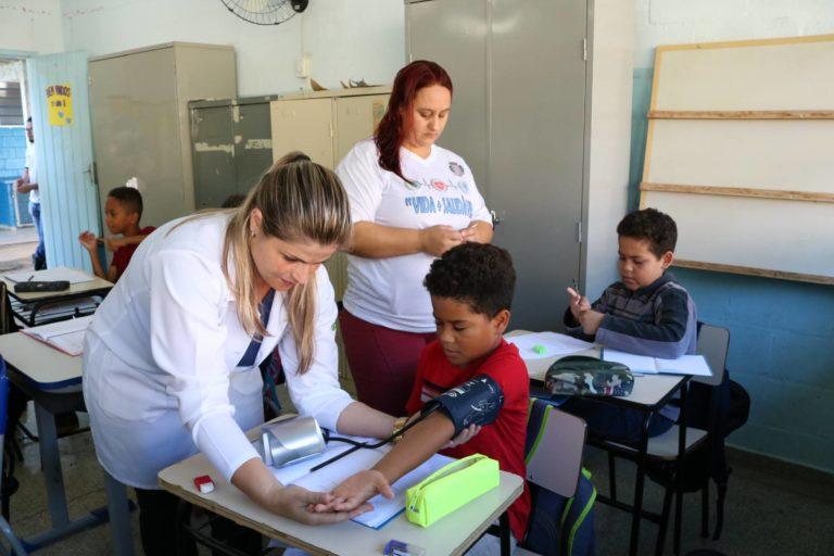 Alunos da escola Josefina participam de palestra de prevenção da Diabetes