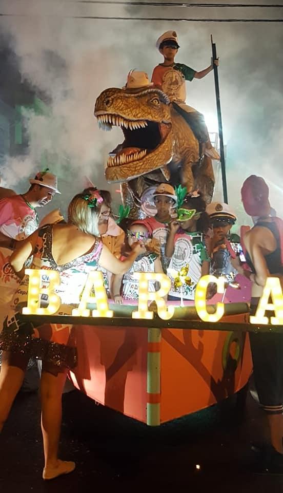 Read more about the article Turma da Barca faz a festa e carnaval é um sucesso em Capivari