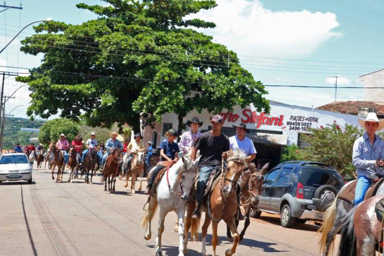 Read more about the article Desfile do Cavaleiros dá início as festividades em comemoração aos 54 anos de Rafard
