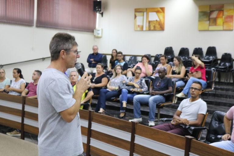 Read more about the article Legislativo e diretores se reúnem para estreitar relações e sanar dúvidas da população