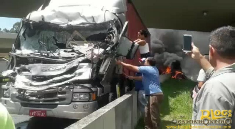 You are currently viewing Filmar acidente sem prestar socorro à vítima pode virar crime