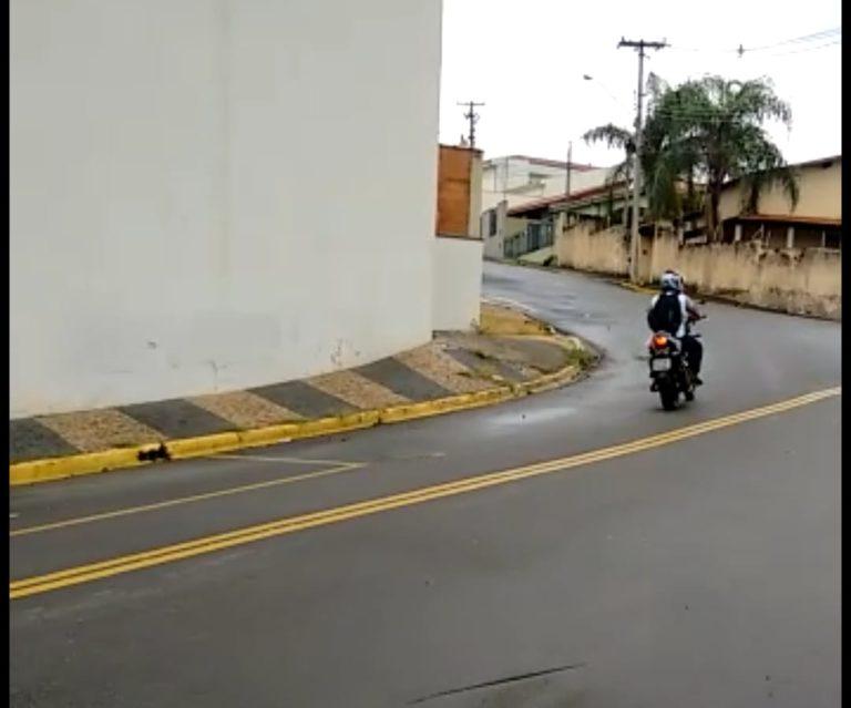 Read more about the article Morador teme acidentes, pede lombada e não é atendido