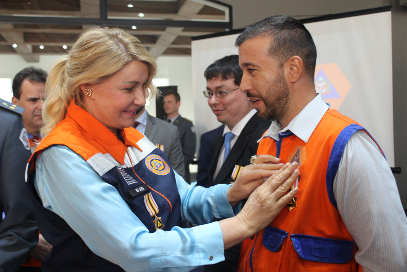 You are currently viewing Defesa Civil de Capivari é premiada com medalha de reconhecimento no Palácio do Governador