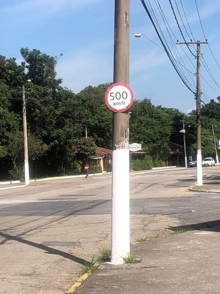 Read more about the article Placa permite limite de velocidade de até 500km/h