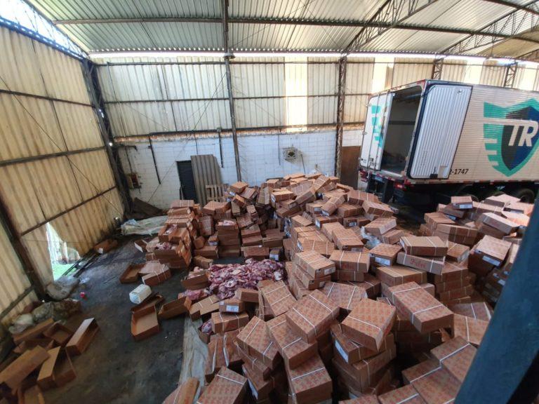 Carga de carnes roubada é encontrada em depósito de Mombuca