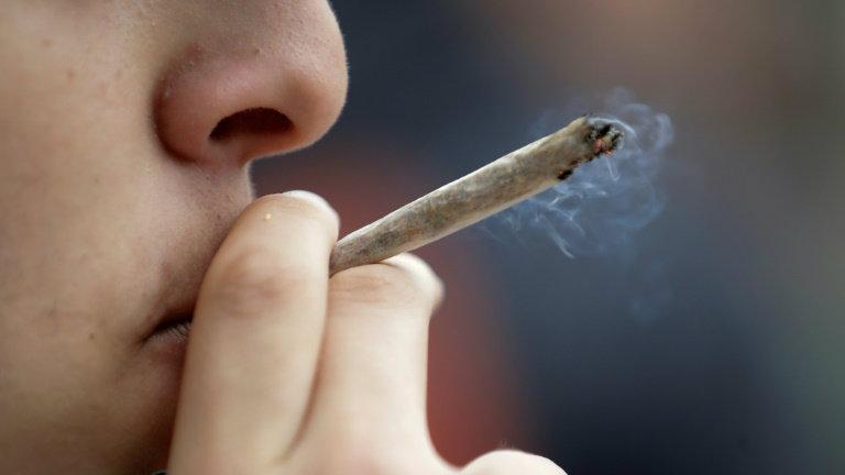 Read more about the article Prefeitura de SP quer multar em R$500 quem fumar maconha e crack nas ruas