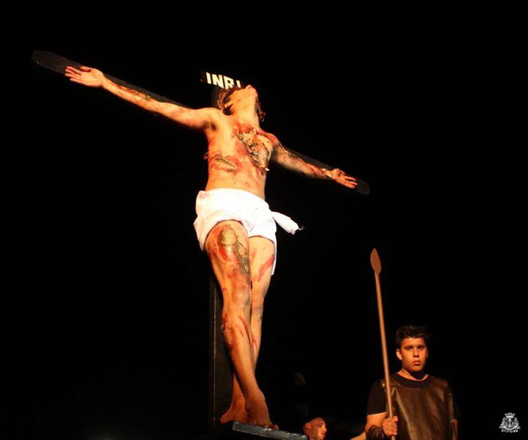 Encenação da Paixão de Cristo de Capivari leva cerca de 5 mil pessoas a praça central