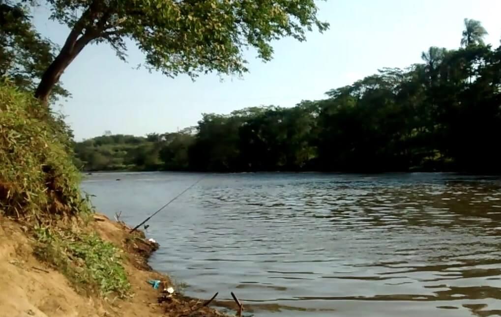 You are currently viewing Corpo de homem é encontrado com marcas de tiro e tijolos nos pés no Rio Tietê