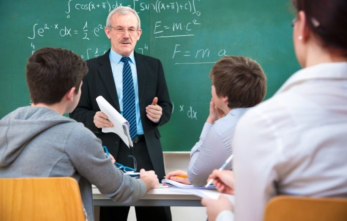 You are currently viewing Alunos de engenharia erram menos português do que estudantes de letras