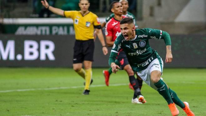 Read more about the article Palmeiras vence Athletico com gol de Raphael Veiga e segue na liderança