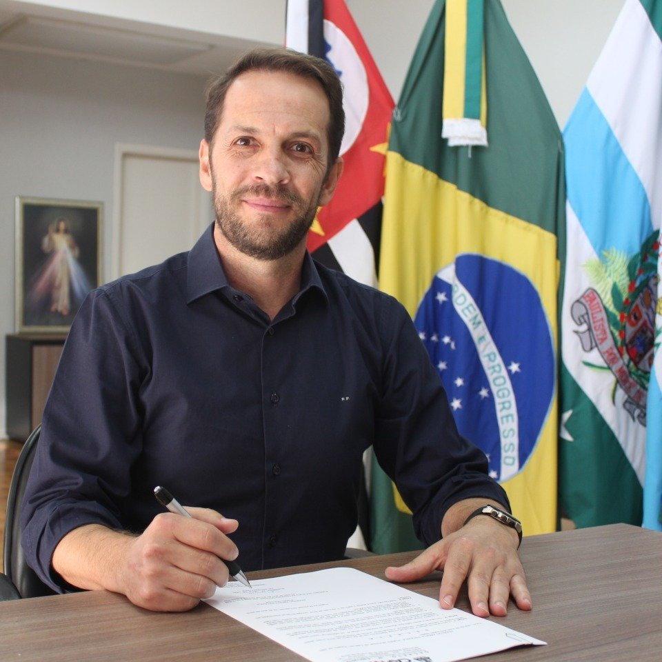 You are currently viewing Prefeito Rodrigo Proença concede entrevista ao JCR