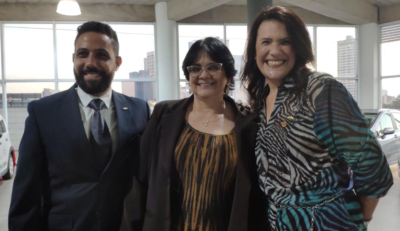 Valéria Bolsonaro participa da entrega de veículo para o 5º Conselho Tutelar de Campinas