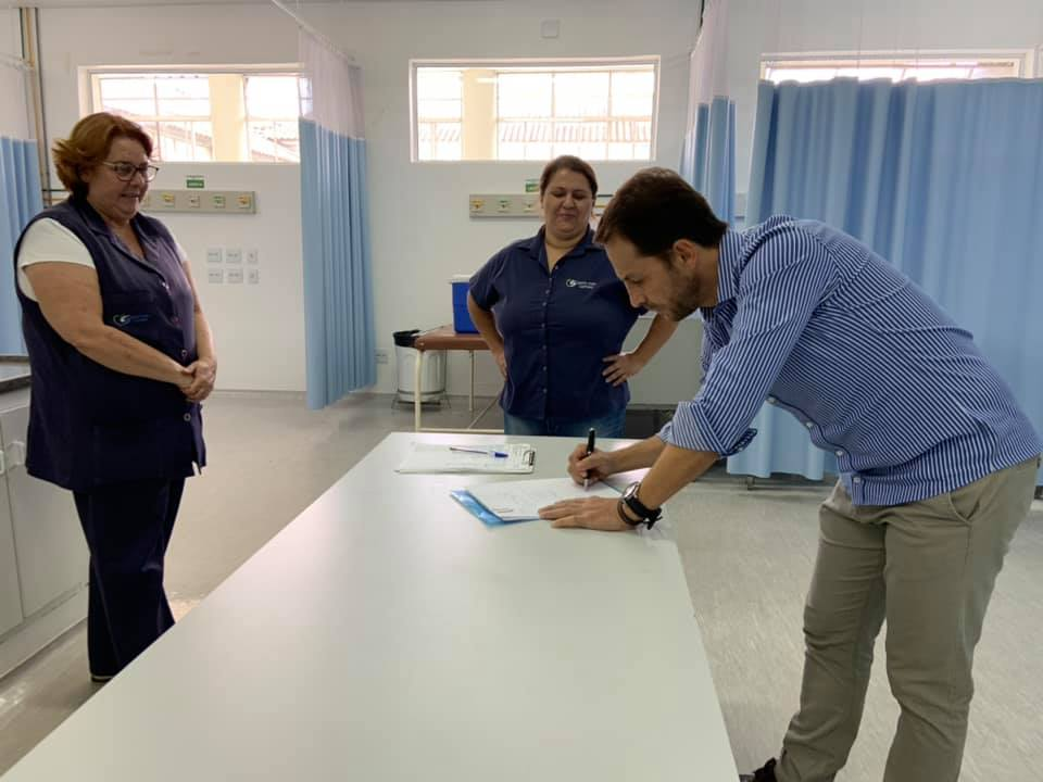 Prefeito Rodrigo antecipa dinheiro para Santa Casa ampliar leitos