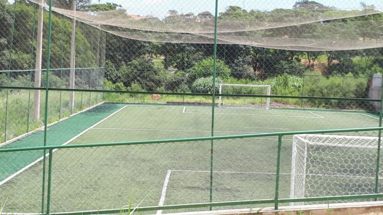 Fiscalização encerra aglomeração em jogo de futebol em Capivari